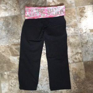 pinky yoga capris